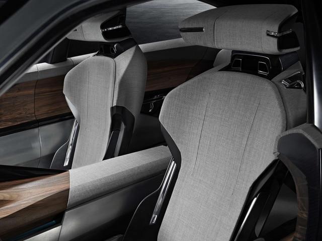 Innovations matériaux Exalt - Le textile intérieur du modèle est en chine et cuir