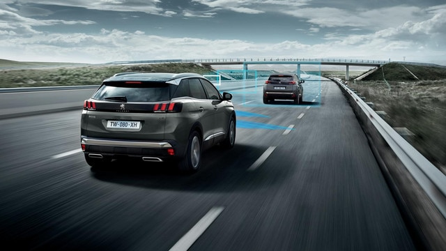 SUV PEUGEOT 3008 HYBRID4 - Pack Drive Assist Plus