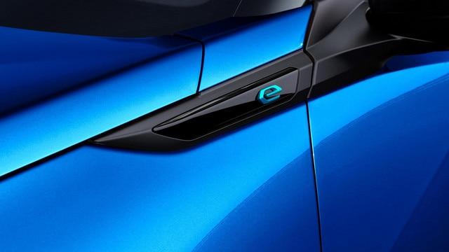 Nouveau SUV électrique PEUGEOT e-2008 : monogramme électrique 'e'