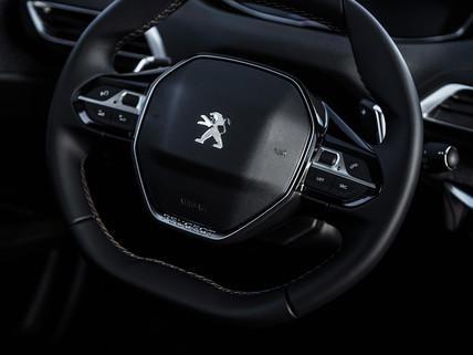 Peugeot i-cockpit volant compact