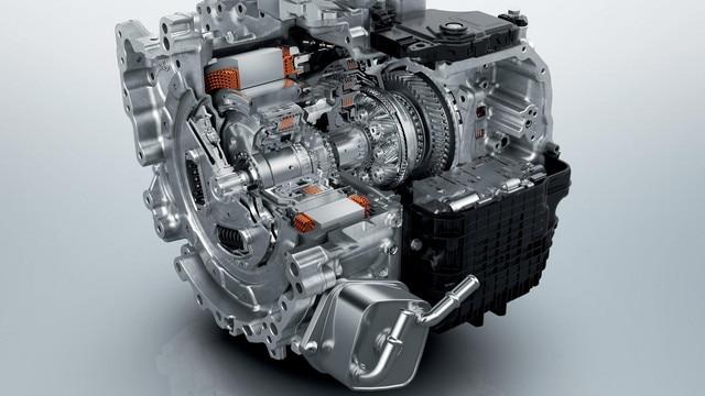 SUV PEUGEOT 3008 HYBRID4 : Boite automatique e-EAT8