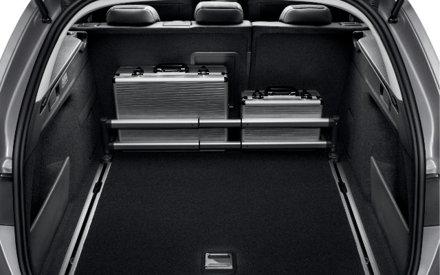 /image/90/1/peugeot-308-sw-accessoires-confort-2-640.132901.jpg